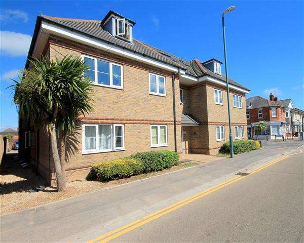 2 Bedrooms Flat for sale in Columbia Road, Ensbury Park, Bournemouth