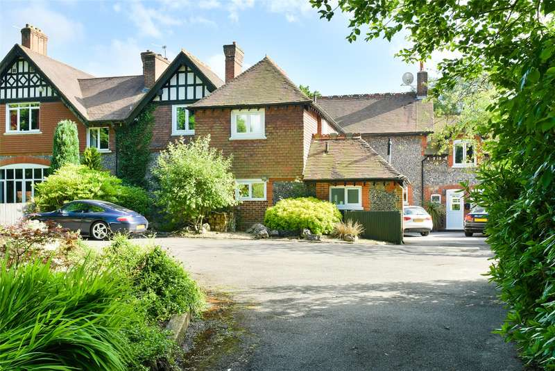 4 Bedrooms Semi Detached House for sale in Hedgecroft, Dorking Road, Tadworth, Surrey, KT20