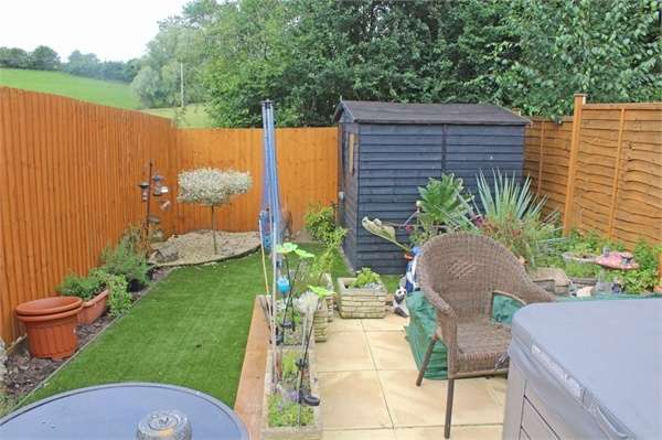 2 Bedrooms Semi Detached House for sale in Betjeman Way, Cleobury Mortimer, Kidderminster, Shropshire