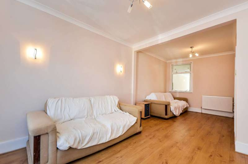 3 Bedrooms House for sale in Queens Road, Walthamstow, E17