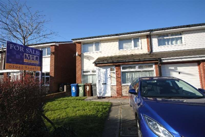 3 Bedrooms Semi Detached House for sale in Ashwood Avenue, Abram, Wigan, WN2