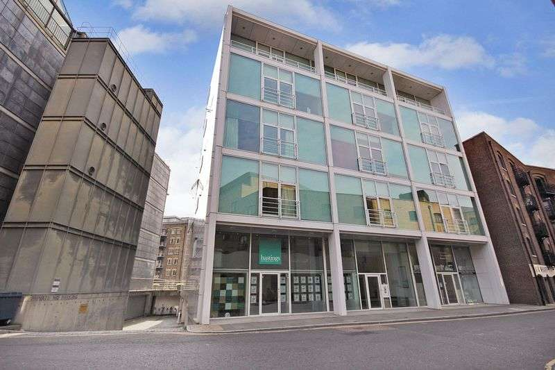 3 Bedrooms Flat for sale in Shad Thames, Greater London SE1