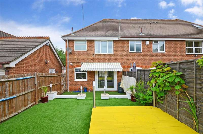3 Bedrooms Semi Detached House for sale in High Street, Greenhithe, Kent