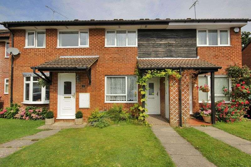 2 Bedrooms Terraced House for sale in Shetland Close, Pound Hill, Crawley, West Sussex
