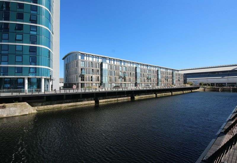 2 Bedrooms Flat for sale in The Quays, Chatham Maritime