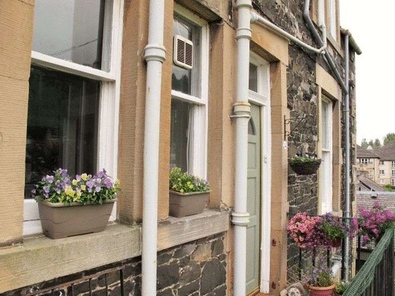 2 Bedrooms Flat for sale in 24A Damdale, Peebles