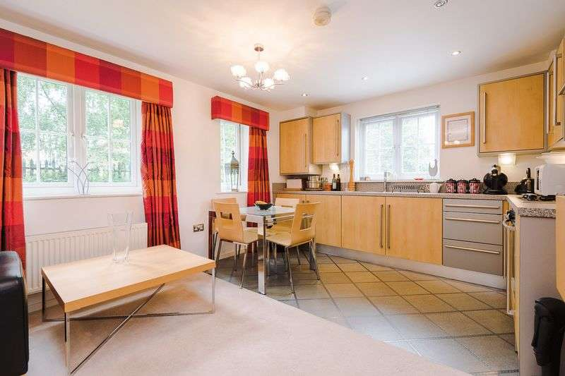 2 Bedrooms Flat for sale in Chaise Meadow, Lymm