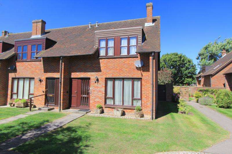 3 Bedrooms End Of Terrace House for sale in Abbey Walk, GREAT MISSENDEN, HP16