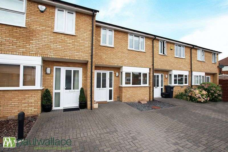 3 Bedrooms Terraced House for sale in Woolpack Court, Cheshunt