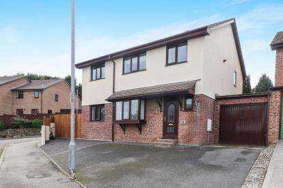 5 Bedrooms Detached House for sale in Par, St Austell, Cornwall