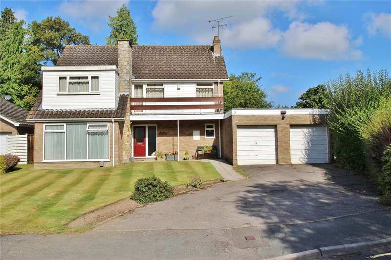 4 Bedrooms Detached House for sale in Brackendene Close, Horsell, Surrey, GU21