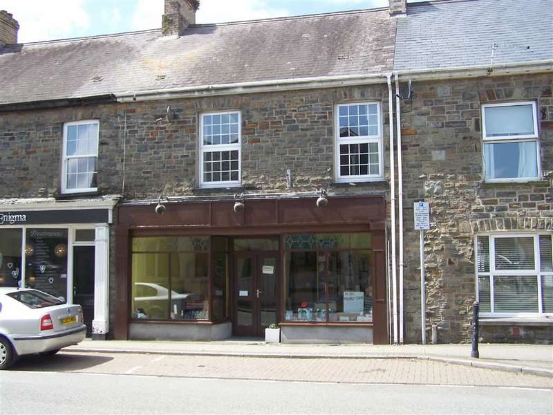 2 Bedrooms Property for sale in St. John Street, Whitland, Carmarthenshire
