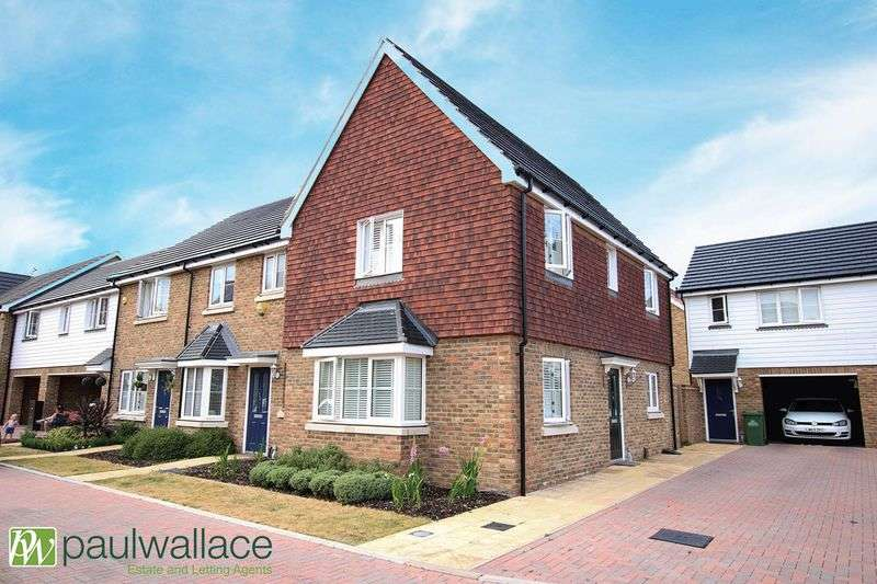 3 Bedrooms Terraced House for sale in Aldemere Avenue, West Cheshunt