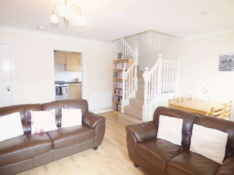 3 Bedrooms Mews House for sale in Levens Close, Warrington