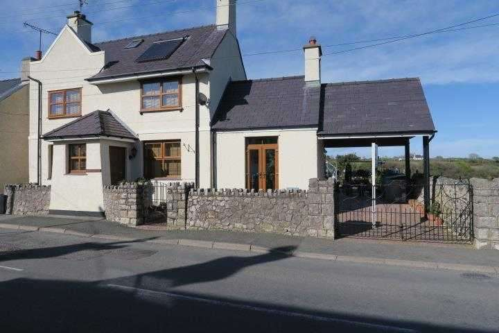 4 Bedrooms Detached House for sale in Morannedd, Chapel Street, Newborough