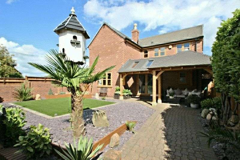 3 Bedrooms Detached House for sale in Old Butt Lane, Stoke-On-Trent
