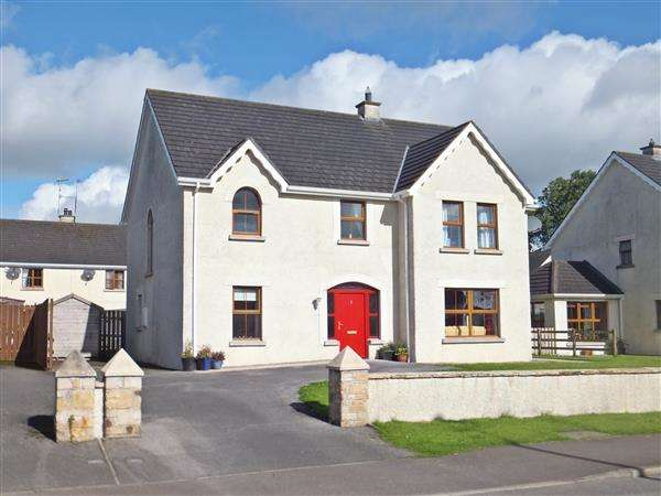 4 Bedrooms Detached House for sale in 5 The Commons