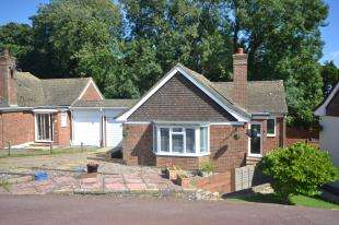 2 Bedrooms Bungalow for sale in Willowbed Walk, Hastings, East Sussex