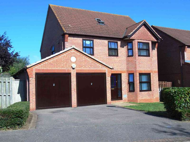 5 Bedrooms Detached House for sale in The Hythe, Two Mile Ash