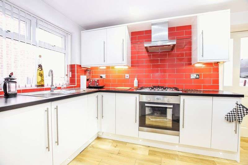 3 Bedrooms Semi Detached House for sale in Upper Wortley Road, Rotherham
