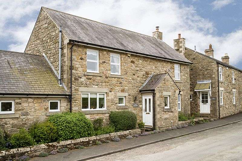 3 Bedrooms Semi Detached House for sale in The Old Forge, Newton