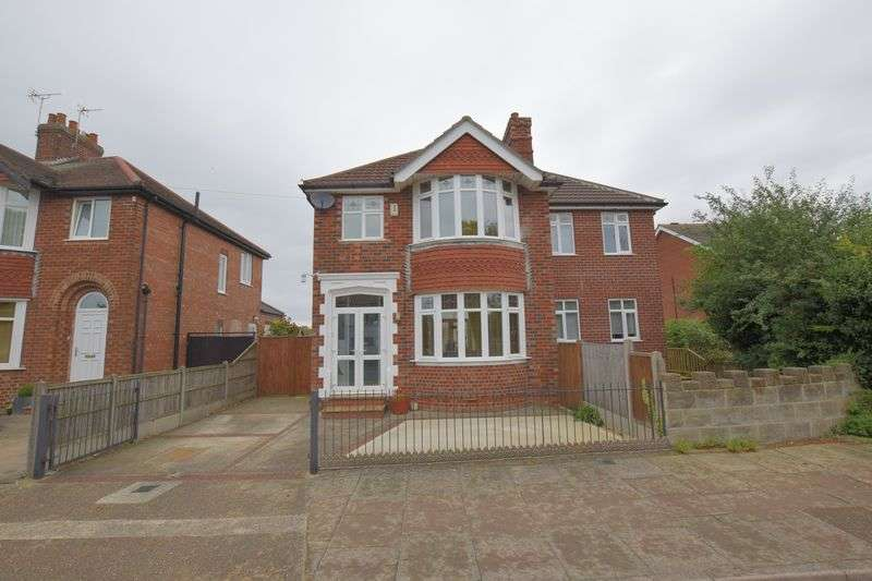 4 Bedrooms Detached House for sale in Mount Street, Uphill, Lincoln