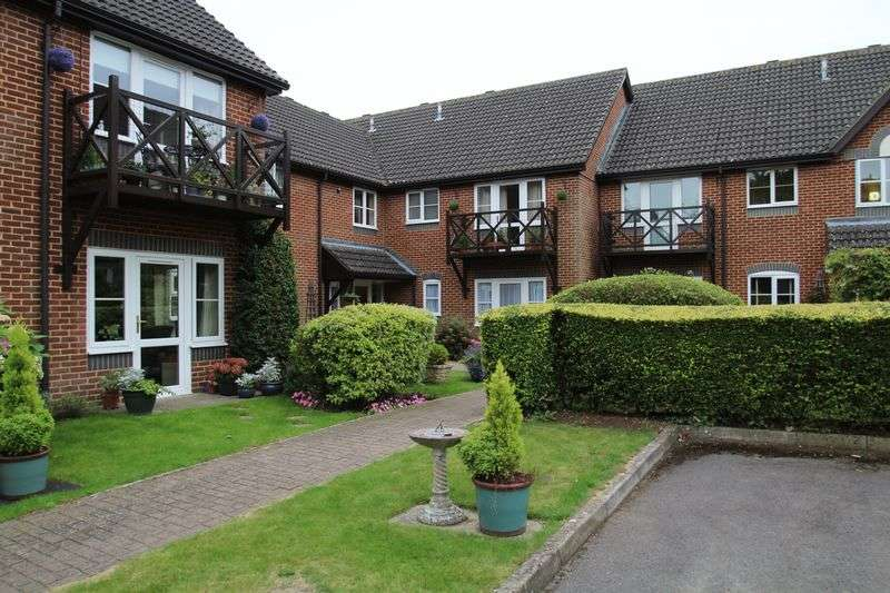 2 Bedrooms Flat for sale in Marlborough Road, Swindon