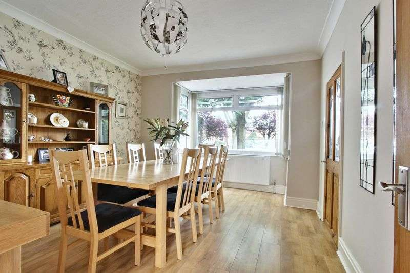 3 Bedrooms Detached House for sale in Admiral Walker Road, Beverley