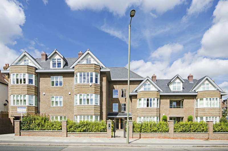 3 Bedrooms Flat for sale in Queens Road, Hendon, NW4