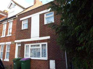 2 Bedrooms End Of Terrace House for sale in Gladstone Road, Folkestone, Kent