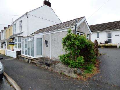 1 Bedroom Bungalow for sale in St. Columb Road, St. Columb, Cornwall