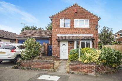 3 Bedrooms House for sale in Colchester, Essex