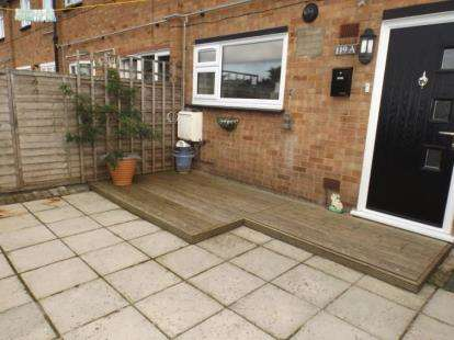 3 Bedrooms Flat for sale in Upminster