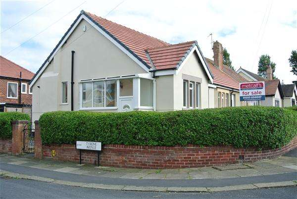 2 Bedrooms Bungalow for sale in Tyrone Avenue, Blackpool