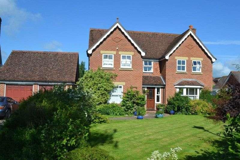 5 Bedrooms Detached House for sale in The Haydens, Tonbridge