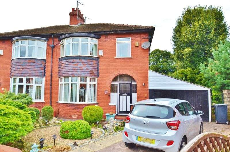 3 Bedrooms Semi Detached House for sale in Woodlands Avenue, Manchester