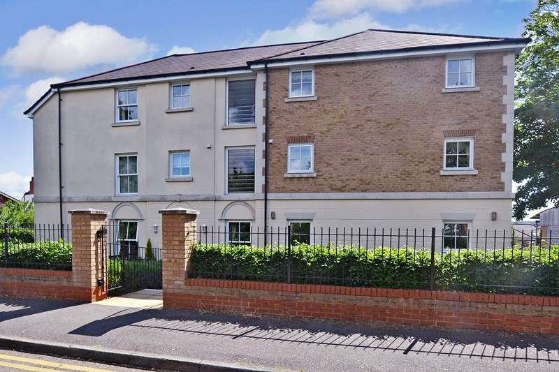 1 Bedroom Retirement Property for sale in Nelson Court, Gravesend, DA12 1PL
