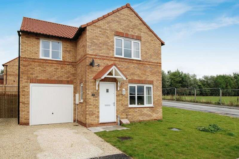 3 Bedrooms Detached House for sale in Darnbrook Drive, S5 9BJ