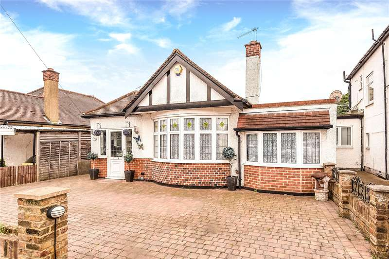 3 Bedrooms Bungalow for sale in Ladygate Lane, Ruislip, Middlesex, HA4