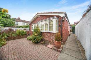 2 Bedrooms Bungalow for sale in Alma Place, Thornton Heath