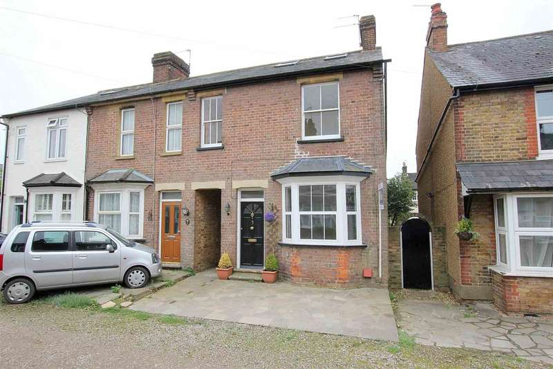 4 Bedrooms Cottage House for sale in 4 BED IN CHIPPERFIELD