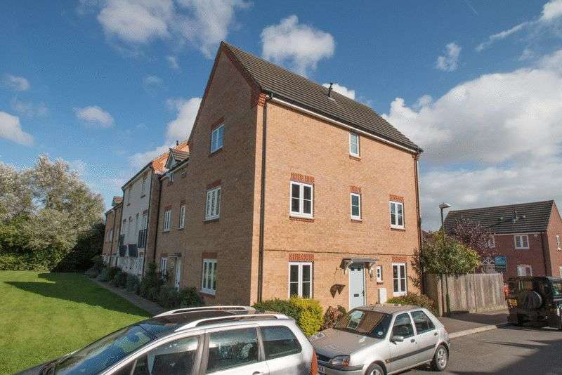 4 Bedrooms Terraced House for sale in Baxendale Road, Chichester