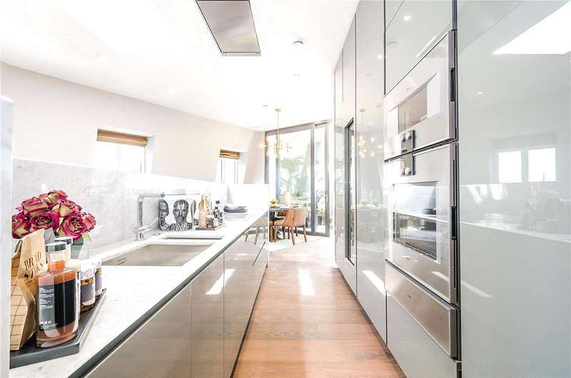 3 Bedrooms Flat for sale in 67 Tufton Street, London, SW1P