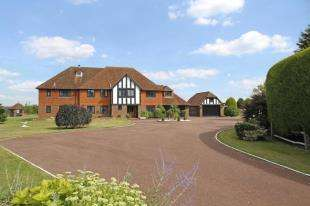 5 Bedrooms Detached House for sale in Handcross Road, Plummers Plain, Horsham, West Sussex