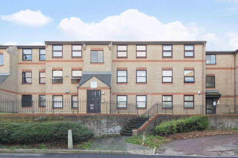 1 Bedroom Flat for sale in Edmeston Close, London
