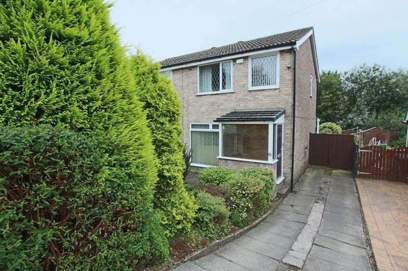3 Bedrooms Semi Detached House for sale in Fairway, Rochdale OL11 3BU