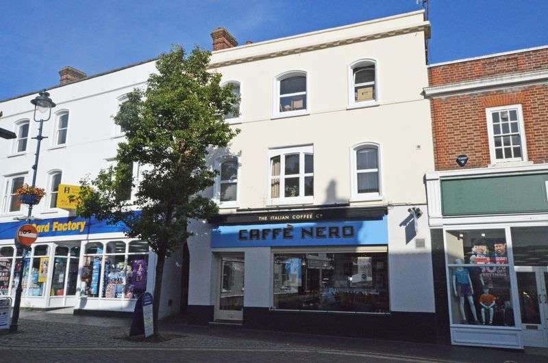 2 Bedrooms Flat for sale in Loes Alley, off High Street, Alton, Hampshire
