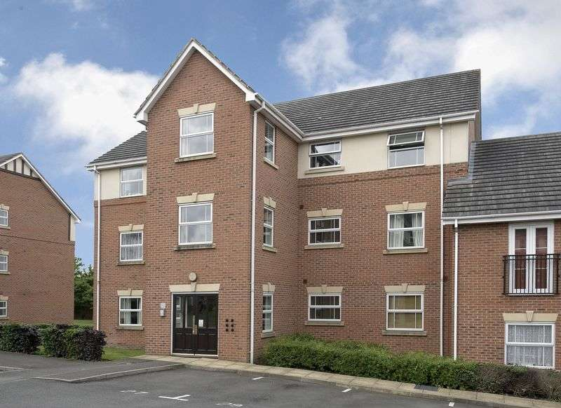 2 Bedrooms Flat for sale in Newlands Close, Hagley