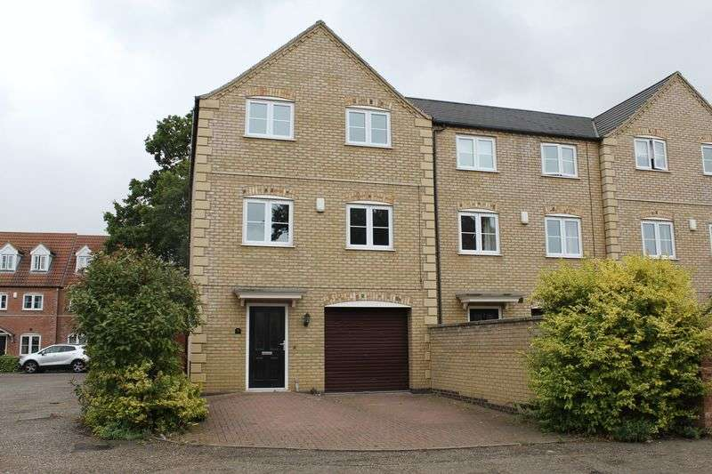 4 Bedrooms Terraced House for sale in Oak Square, Crowland, Peterborough