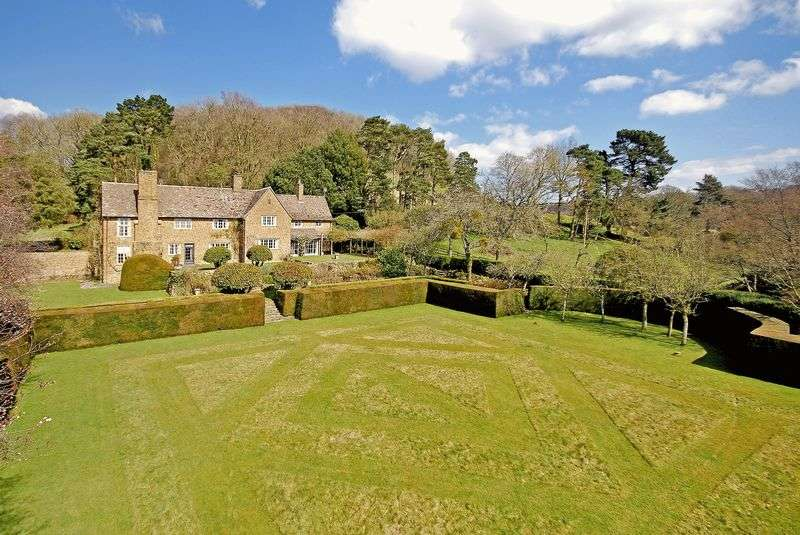 7 Bedrooms Detached House for sale in Stinchcombe, Between Bristol, Cirencester and Stroud on the edge of the Cotswold escarpment, GL11 6AS